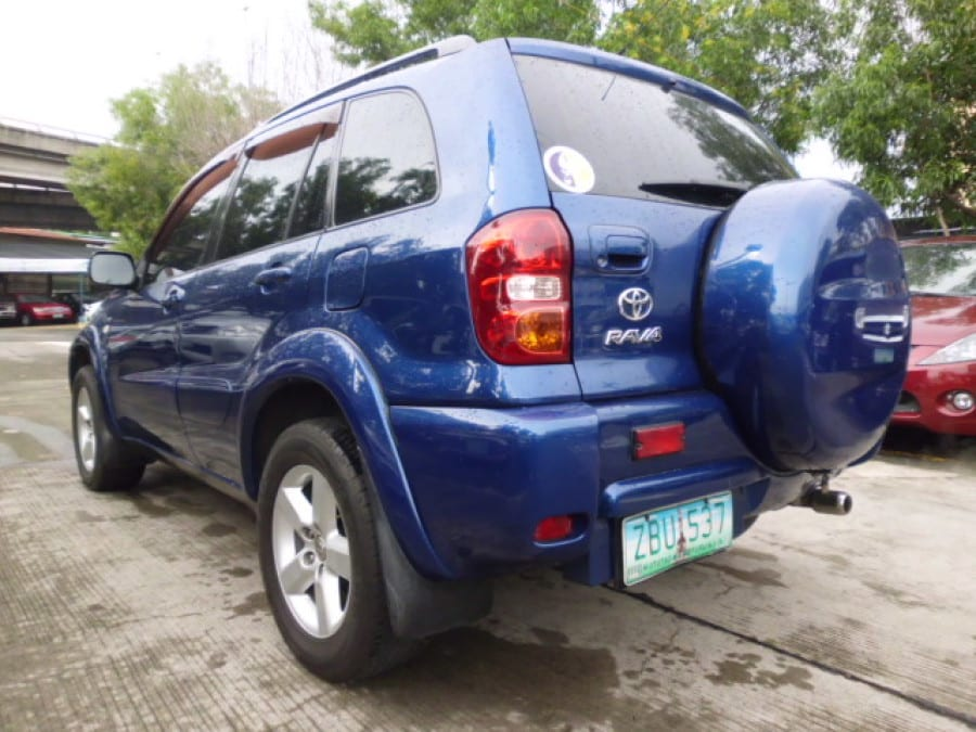 2005 Toyota RAV4 - Rear View