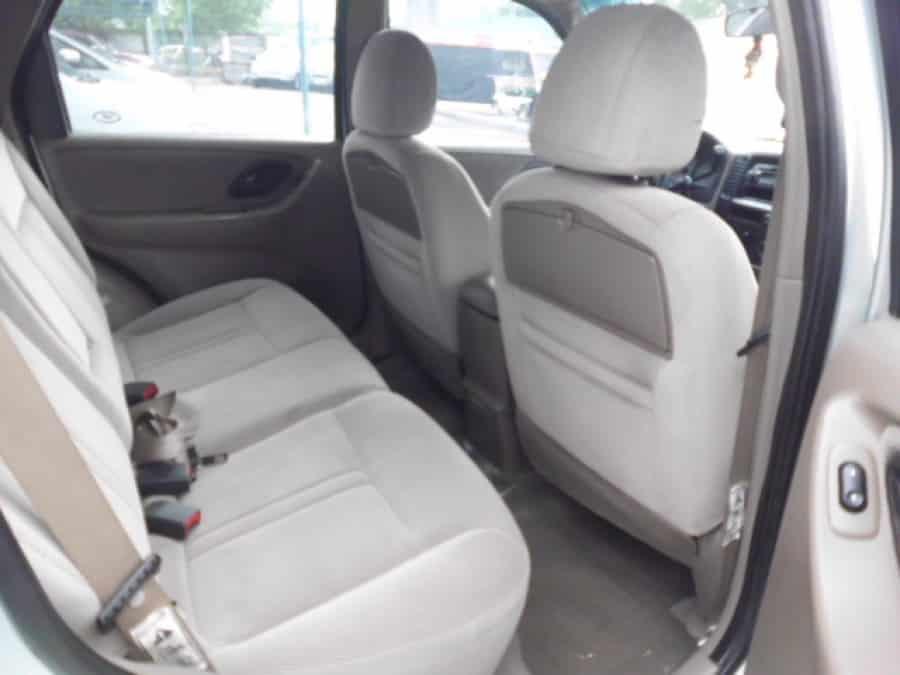 2004 Ford Escape - Interior Rear View