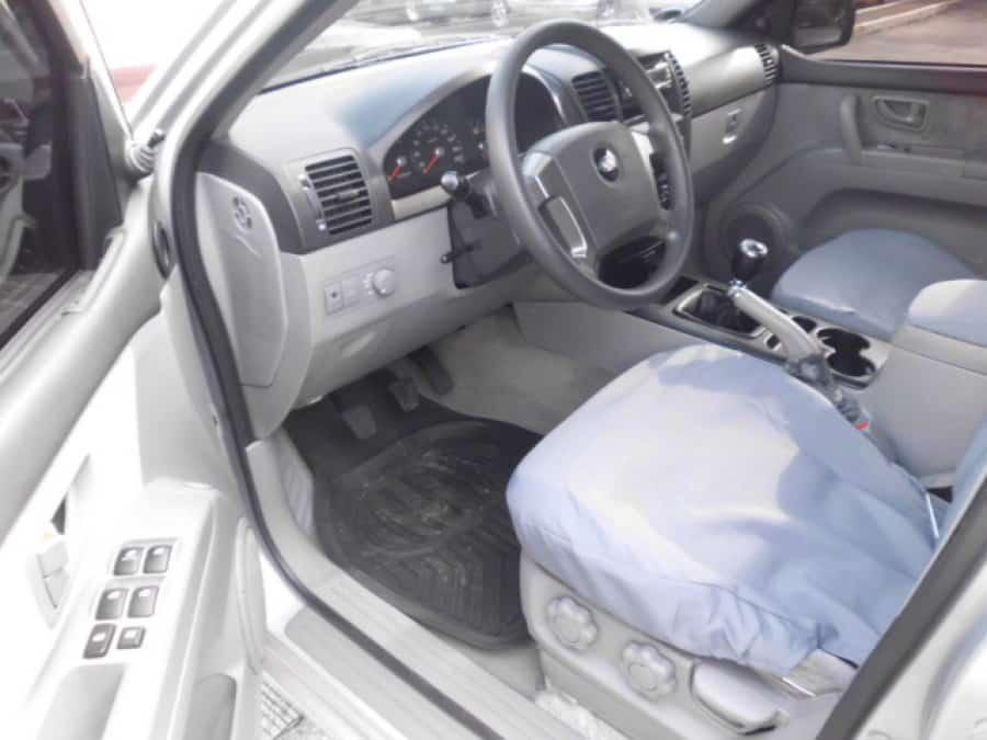 2006 Kia Sorento - Interior Front View