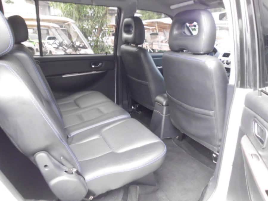 2010 Mitsubishi Adventure - Interior Rear View