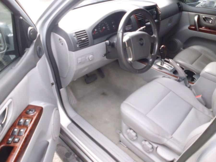 2005 Kia Sorento - Interior Front View