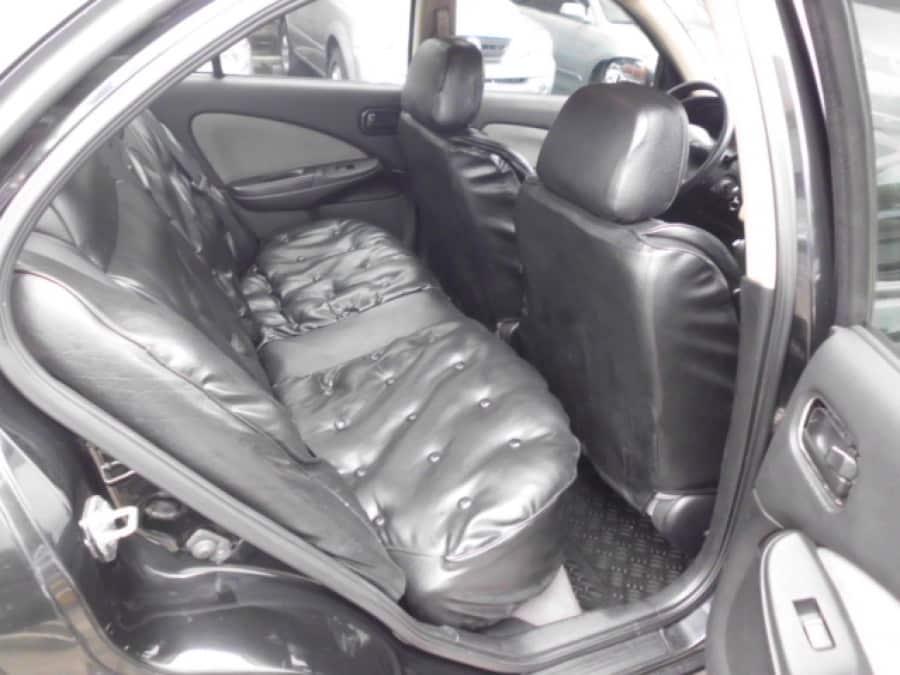 2005 Nissan Sentra - Interior Rear View