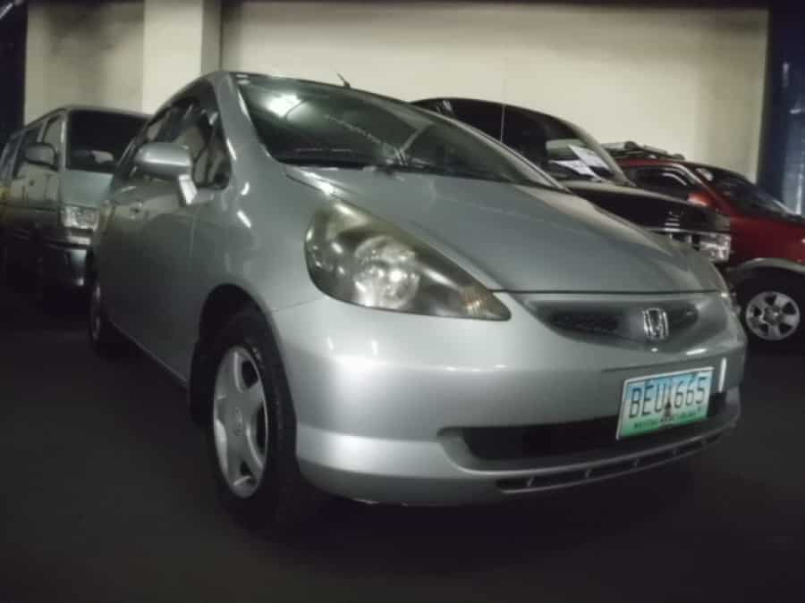 2002 Honda Fit - Front View