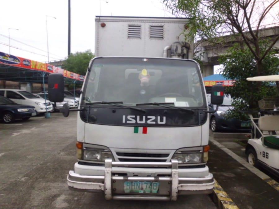 1996 Isuzu Van/Midi - Front View