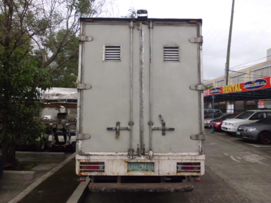 1996 Isuzu Van/Midi - Rear View