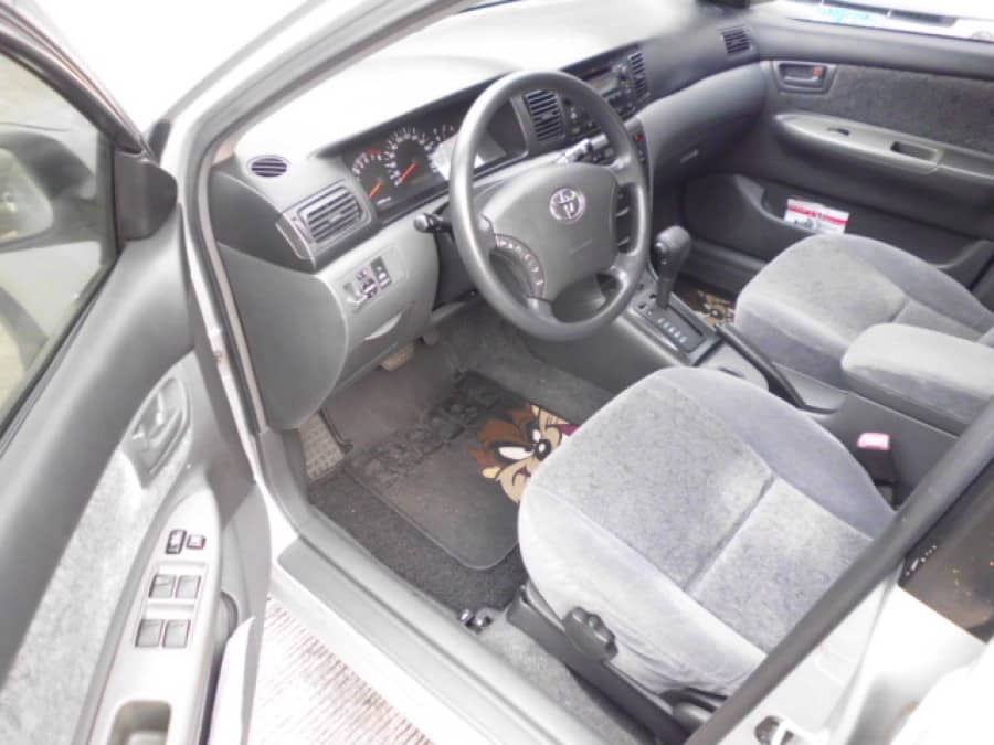 2006 Toyota Altis - Interior Front View