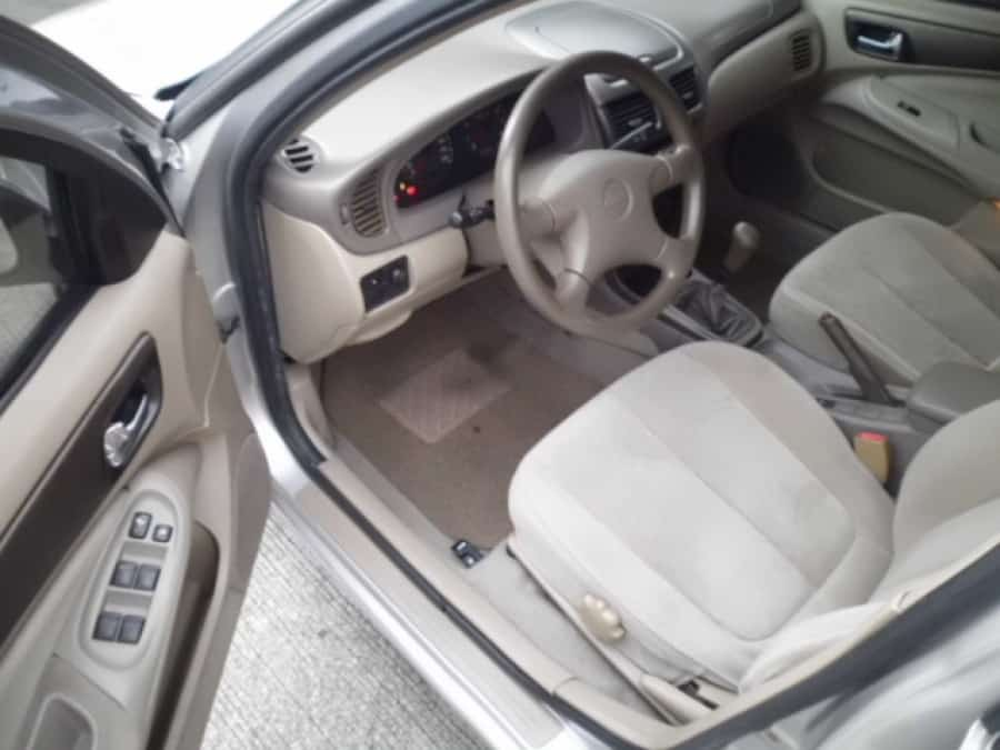 2002 Nissan Sentra - Interior Front View