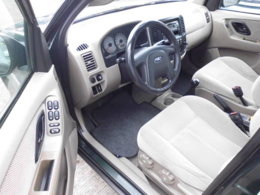 2002 Ford Escape - Interior Front View