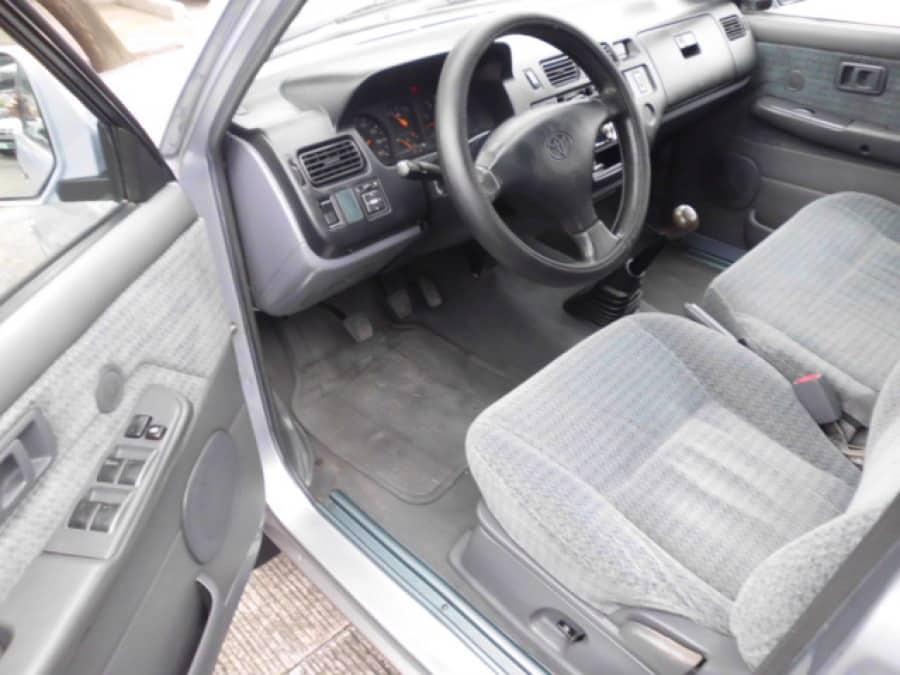 1999 Toyota Revo - Interior Front View