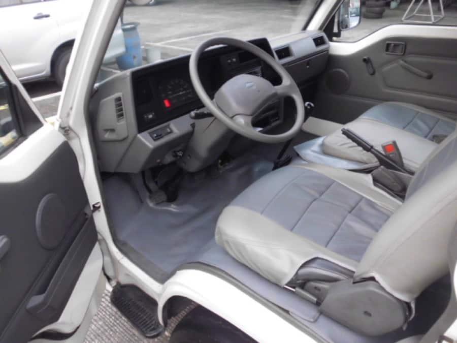 2009 Nissan Urvan - Interior Front View