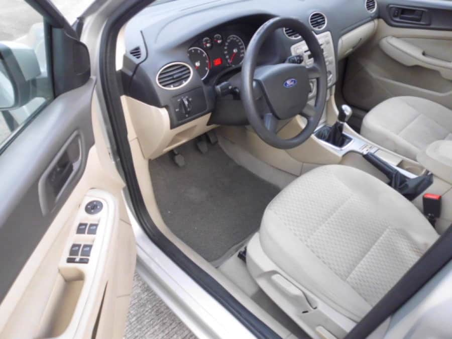 2008 Ford Focus - Interior Front View