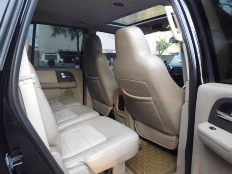 2005 Ford Expedition - Interior Rear View