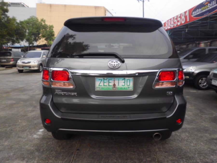 2006 Toyota Fortuner - Rear View