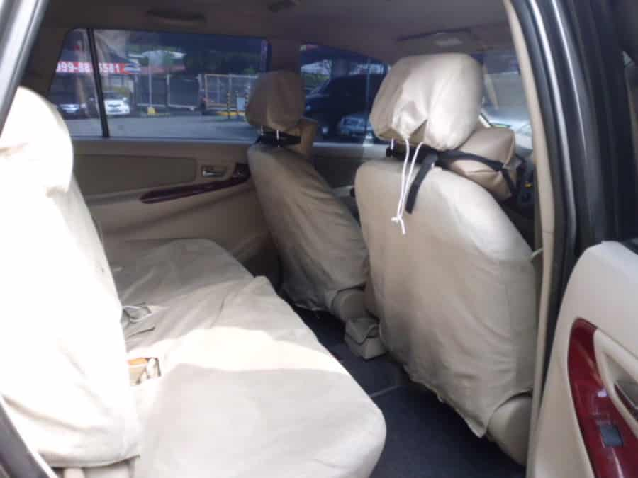 2005 Toyota Innova G - Interior Rear View