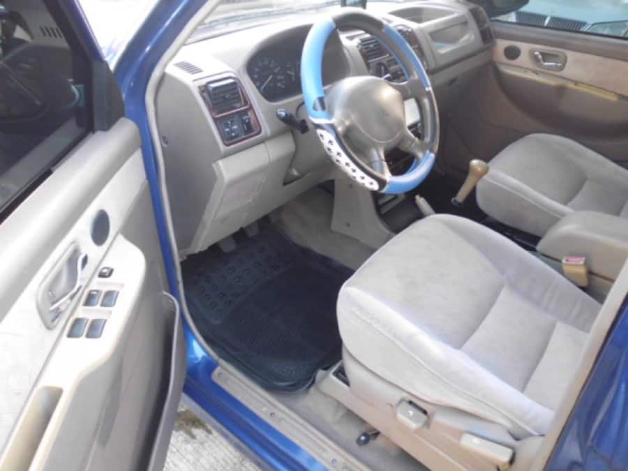 2007 Mitsubishi Adventure - Interior Front View