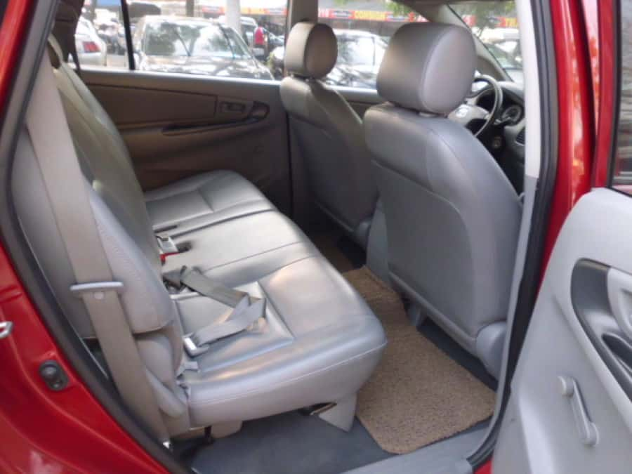 2010 Toyota Innova J - Interior Rear View