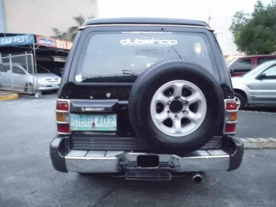 1995 Mitsubishi Pajero - Rear View