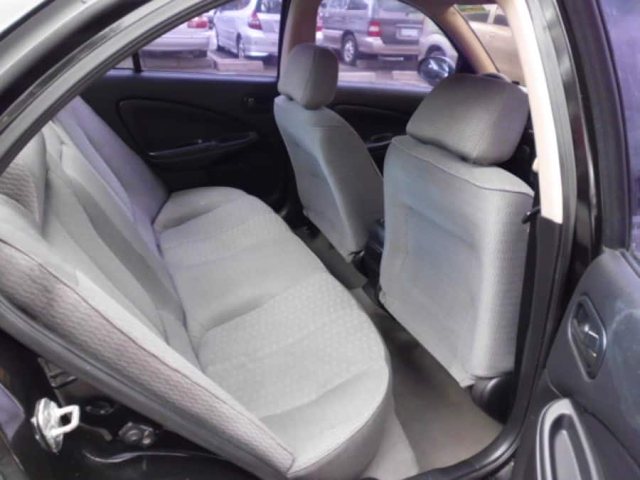 2006 Nissan Sentra - Interior Rear View