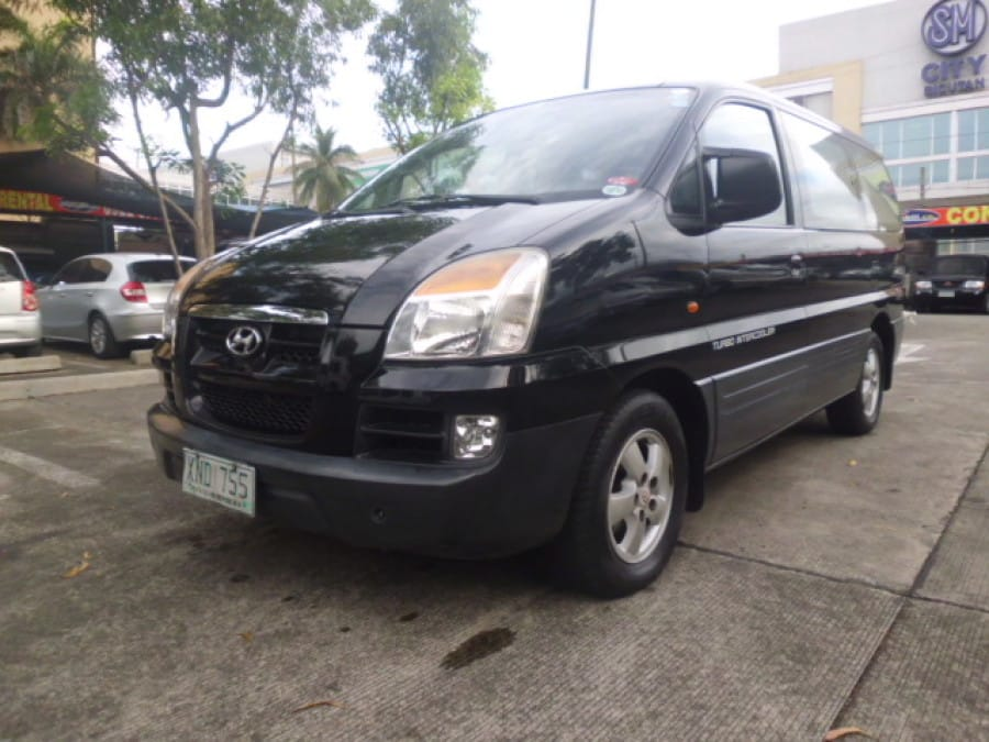 2005 Hyundai Starex - Front View