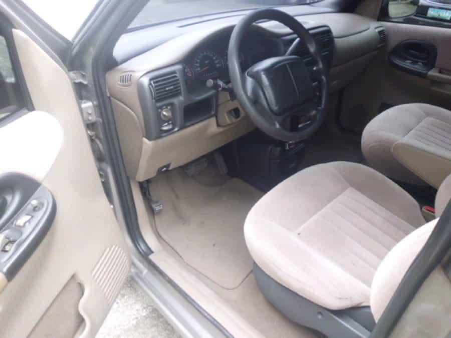 2002 Chevrolet Venture - Interior Front View