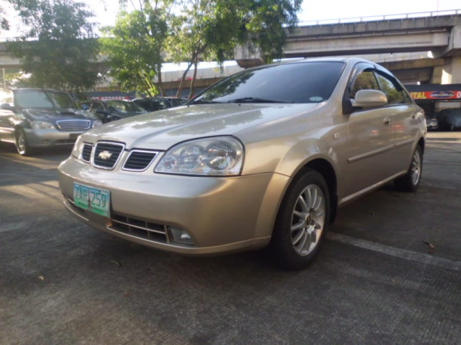 2005 Chevrolet Optra - Front View