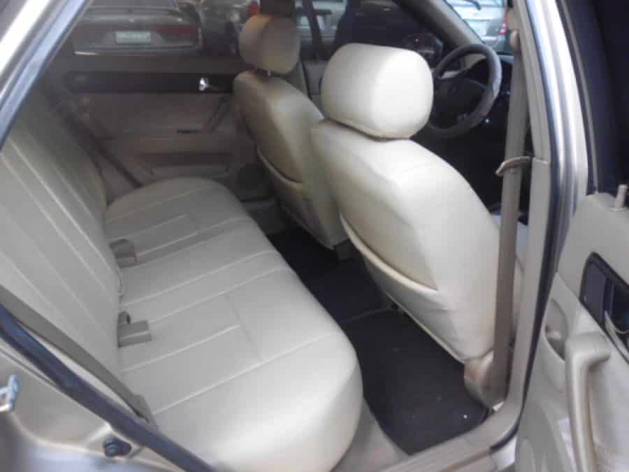 2005 Chevrolet Optra - Interior Rear View