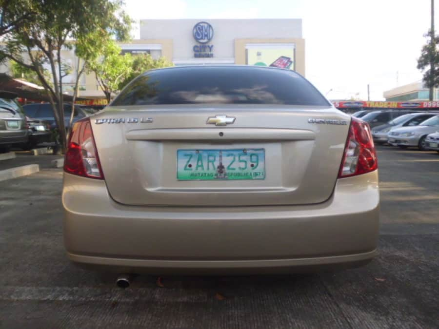 2005 Chevrolet Optra - Rear View