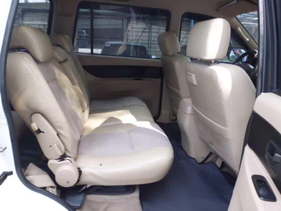 2008 Isuzu Crosswind - Interior Rear View