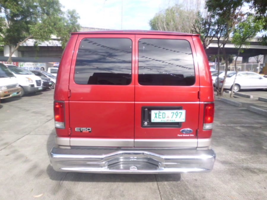 2002 Ford E-150 - Rear View