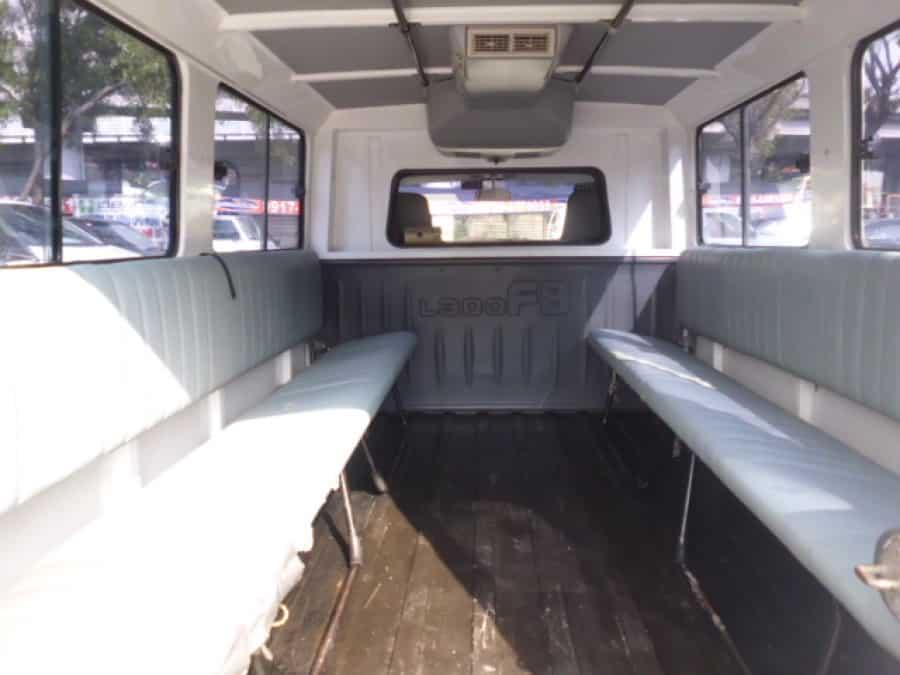 2009 Mitsubishi L300 - Interior Rear View