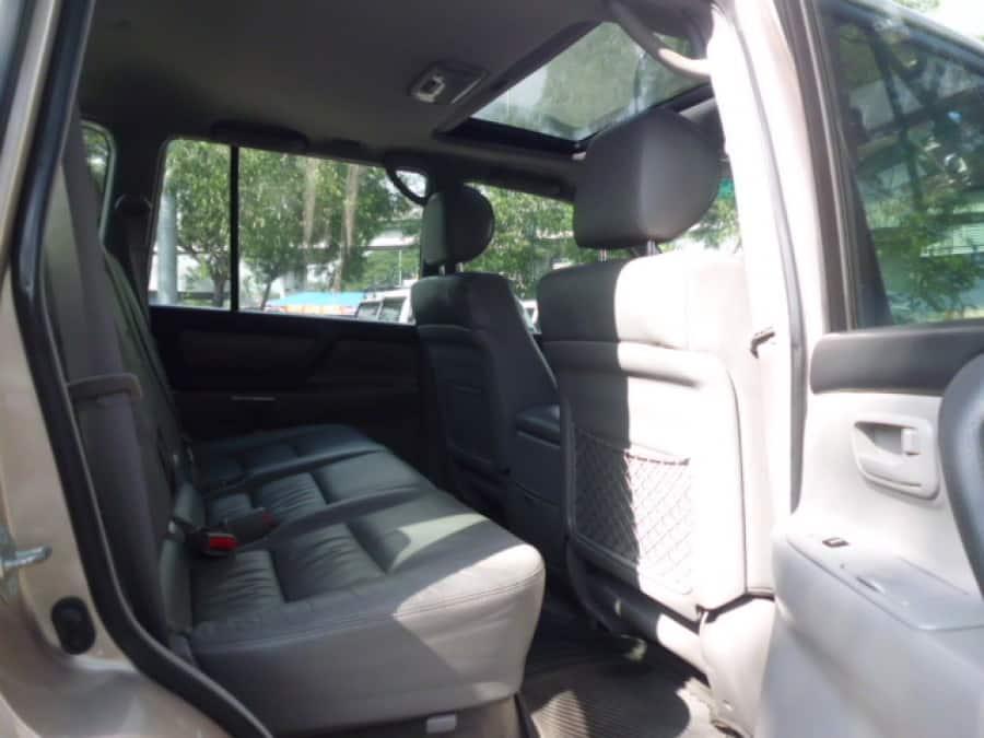 2004 Toyota LandCruiser - Interior Rear View