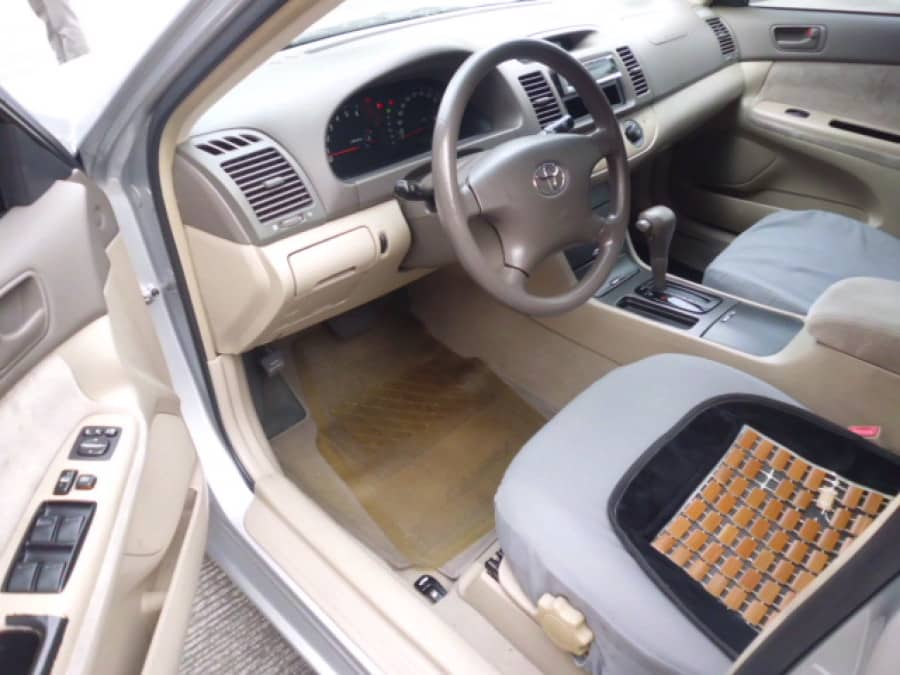 2004 Toyota Camry - Interior Front View