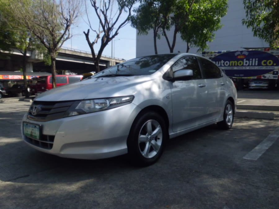 2010 Honda City E - Front View