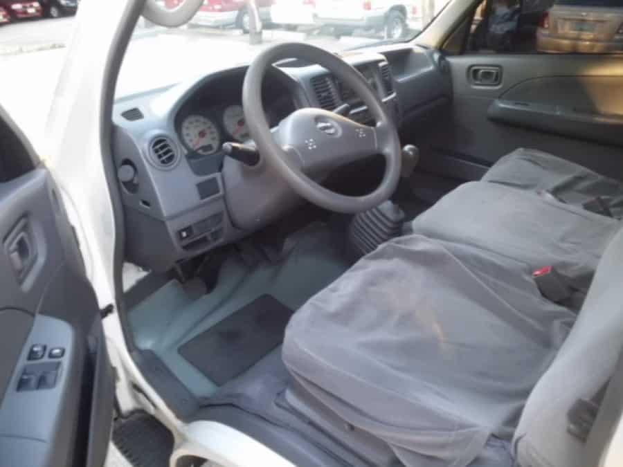 2007 Nissan Urvan - Interior Front View