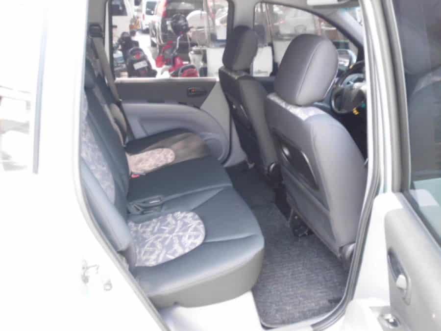 2005 Hyundai Matrix - Interior Rear View