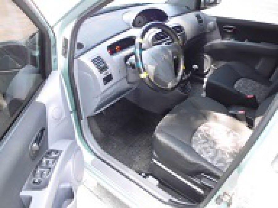 2005 Hyundai Matrix - Interior Front View