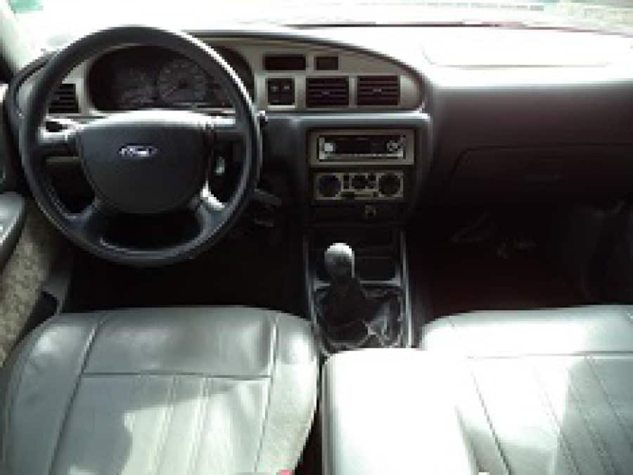 2006 Ford Everest - Interior Front View