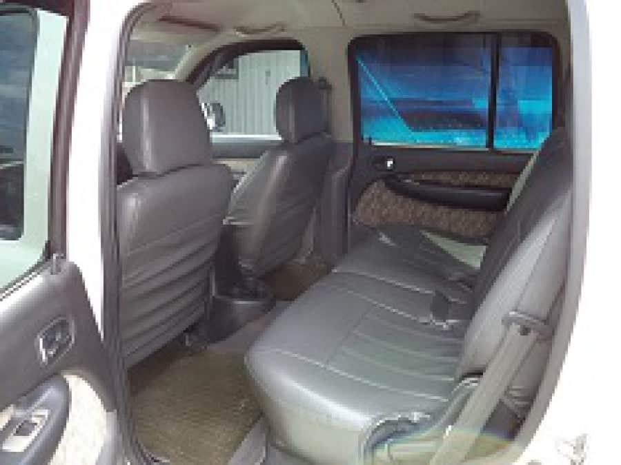 2006 Ford Everest - Interior Rear View