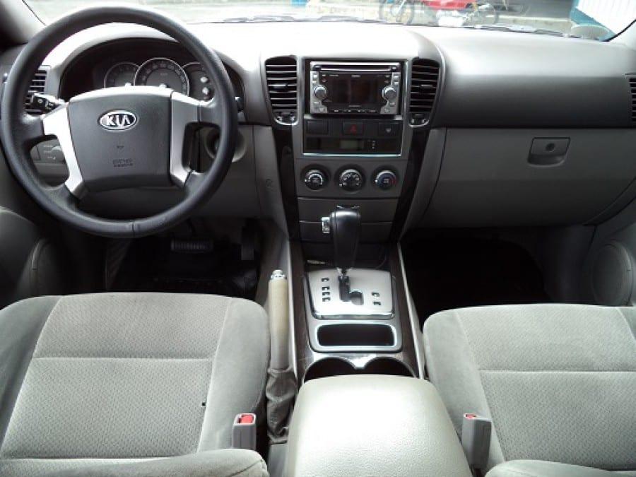 2007 Kia Sorento - Interior Front View