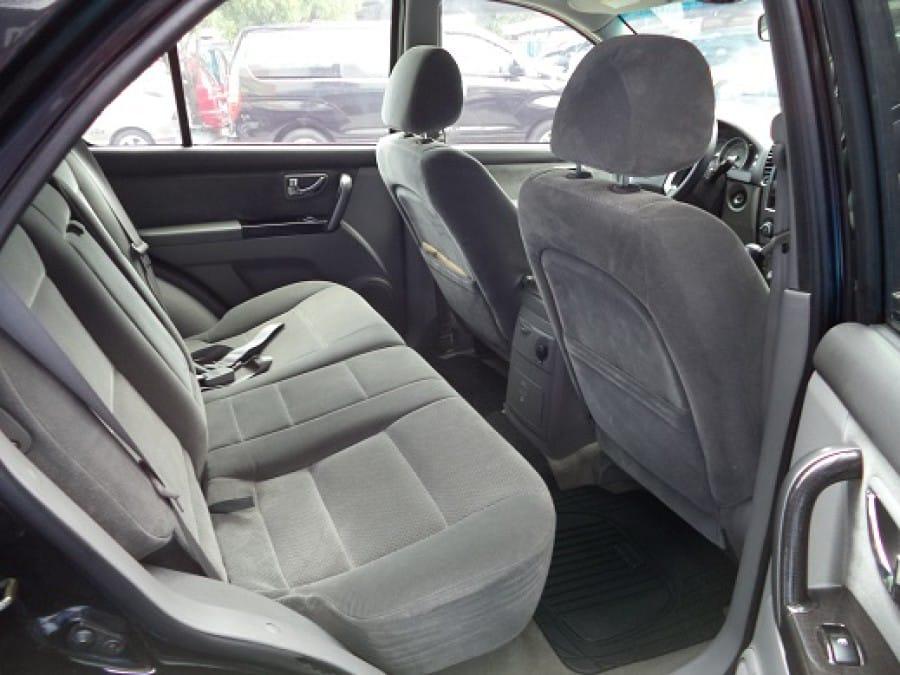 2007 Kia Sorento - Interior Rear View
