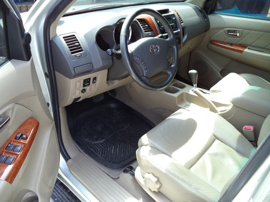 2010 Toyota Fortuner - Interior Front View