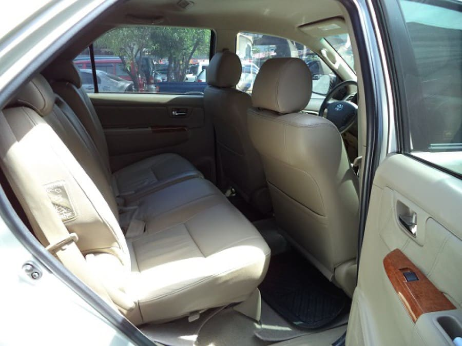 2010 Toyota Fortuner - Interior Rear View