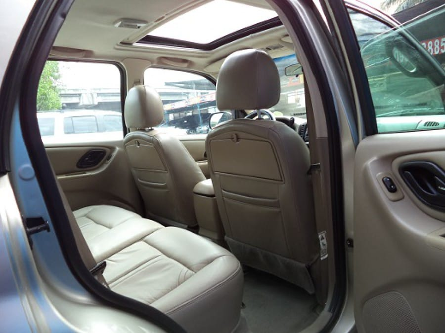 2006 Ford Escape - Interior Rear View