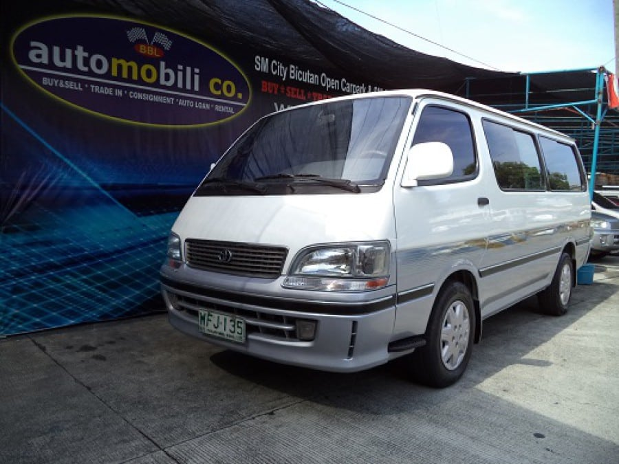 1999 Toyota HiAce - Front View
