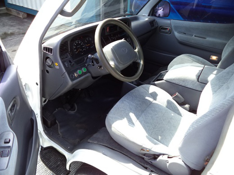 1999 Toyota HiAce - Interior Front View
