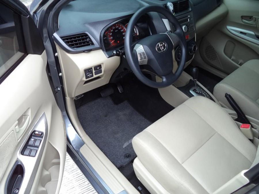 2013 Toyota Avanza - Interior Front View