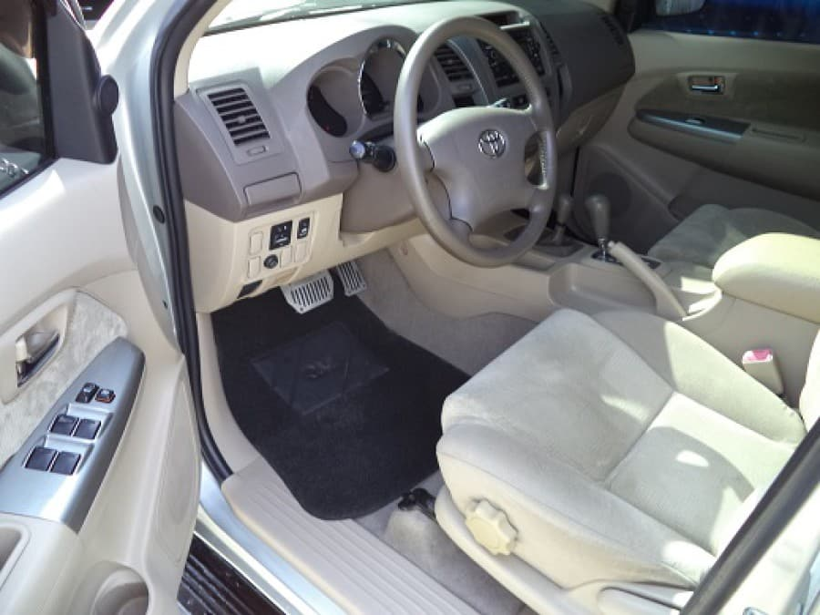 2006 Toyota Fortuner - Interior Front View