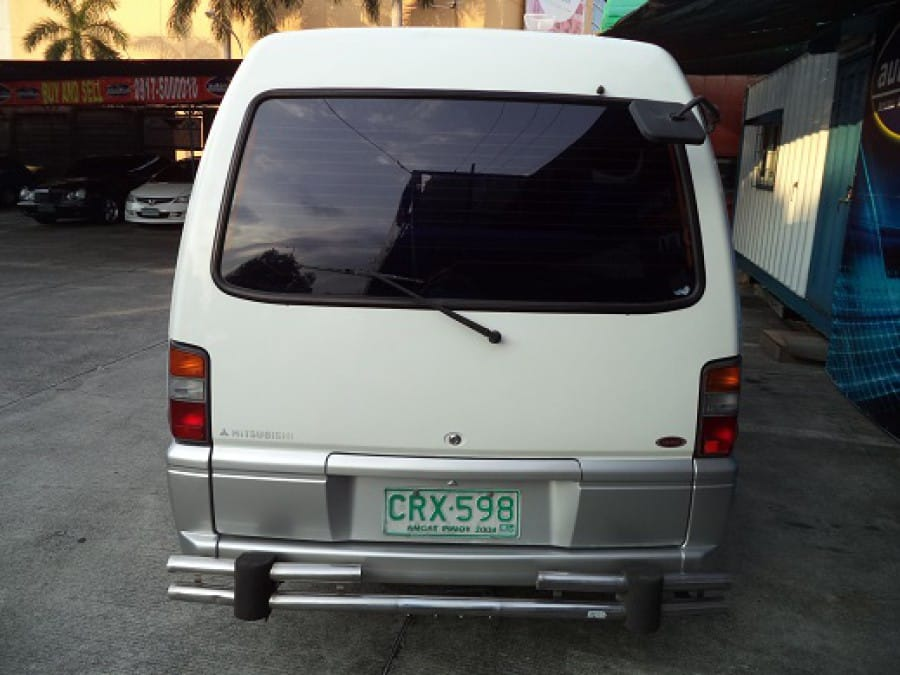 2001 Mitsubishi L300 - Rear View
