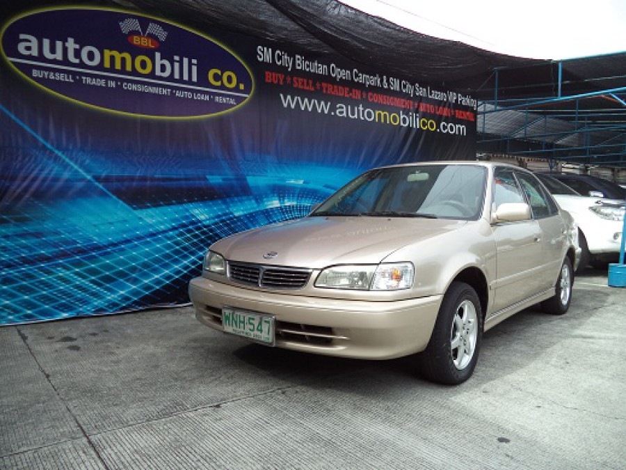 2000 Toyota Corolla - Front View