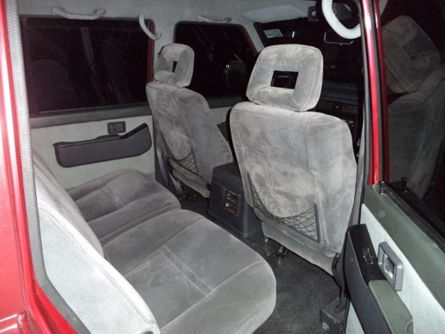 2000 Nissan Safari - Interior Rear View